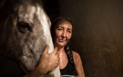 Concordia y Virginia. Todo por amor a los caballos y animales maltratados.